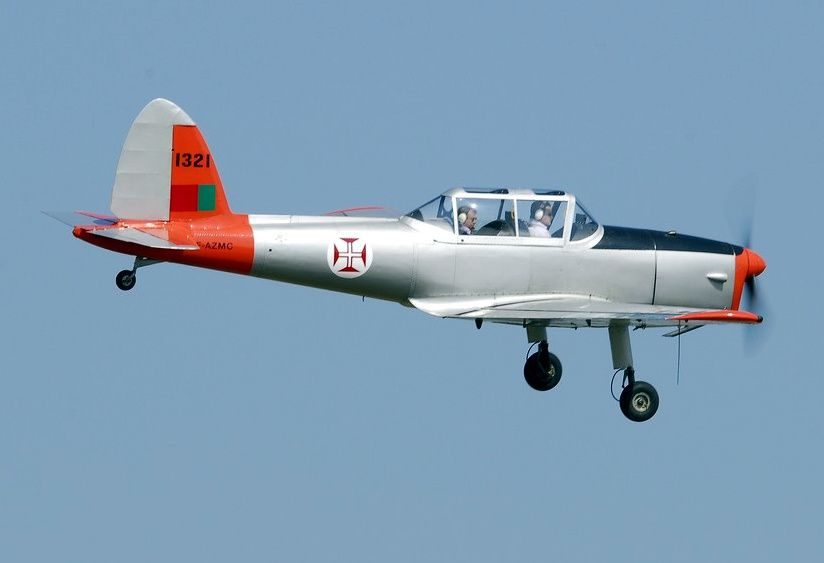 Le DHC-1 Chipmunk F-AZMC (aux couleurs portugaise collection Guillaume Derouet)