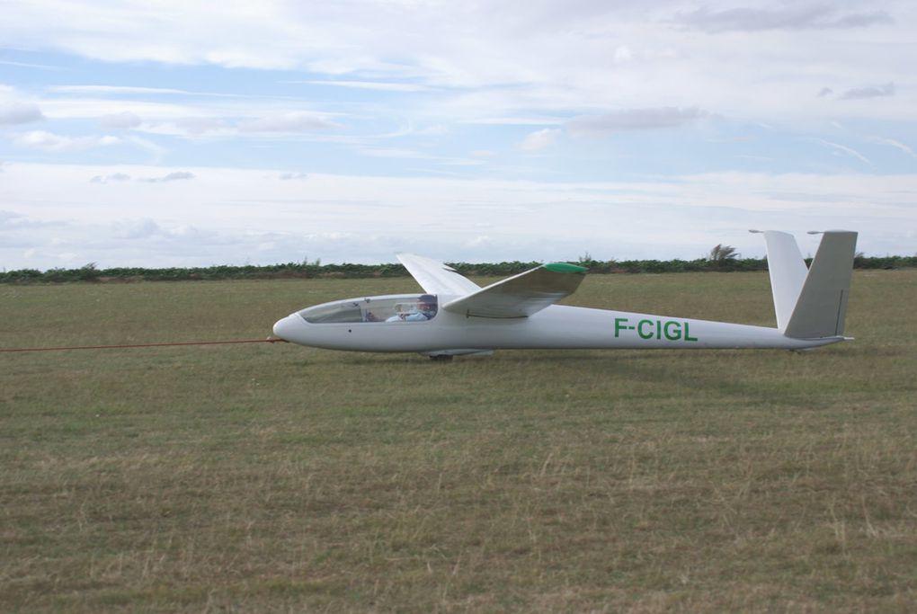 Le SIREN C-30S Edelweiss N°53 (dernier de la série) F-CIGL aux dérives papillons.