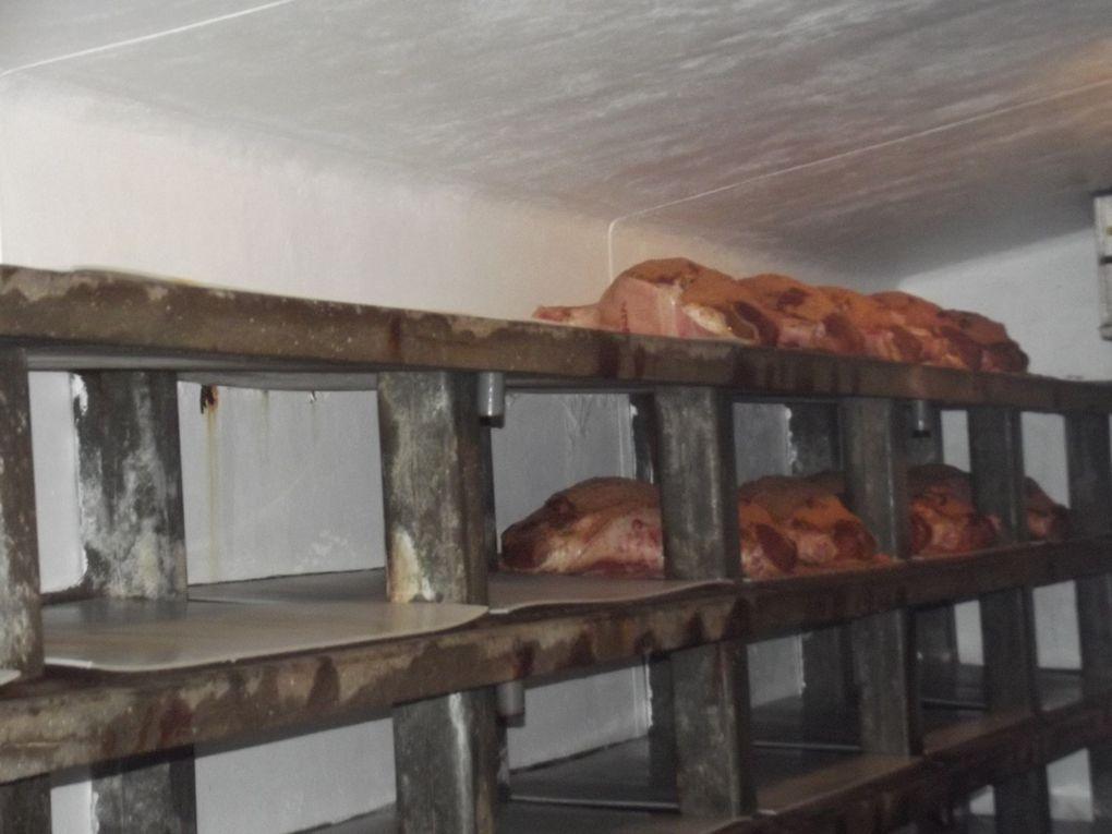 visite d'une salaison artisanale et fabrication du célèbre jambon de Bayonne