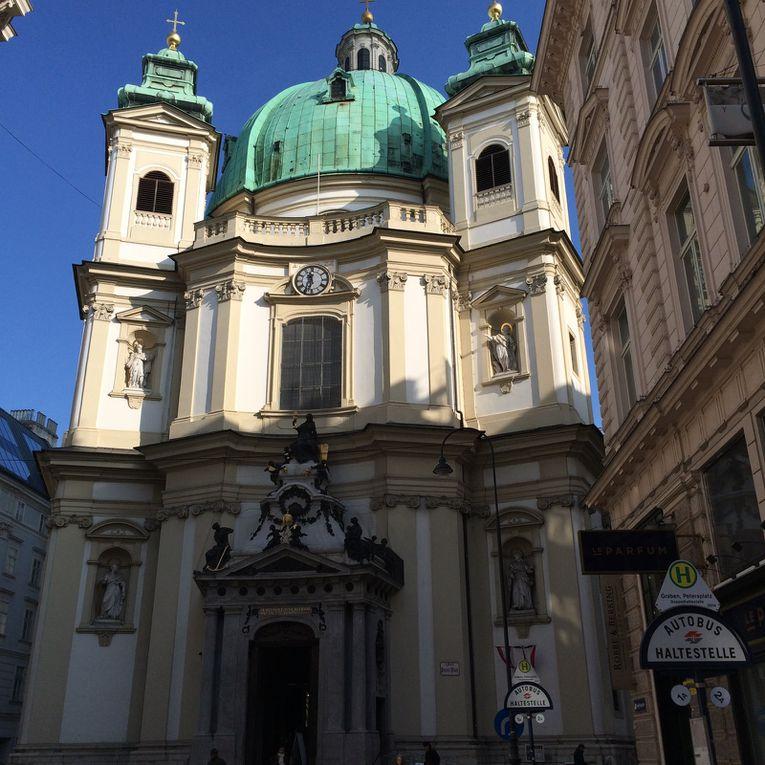 Innere Stadt : Cathédrale Saint Etienne, Ankeruhr, Café Sacher, Eglise Saint Pierre, Freyung, Michaelplatz, Passage Ferstel, Palais Kinsky