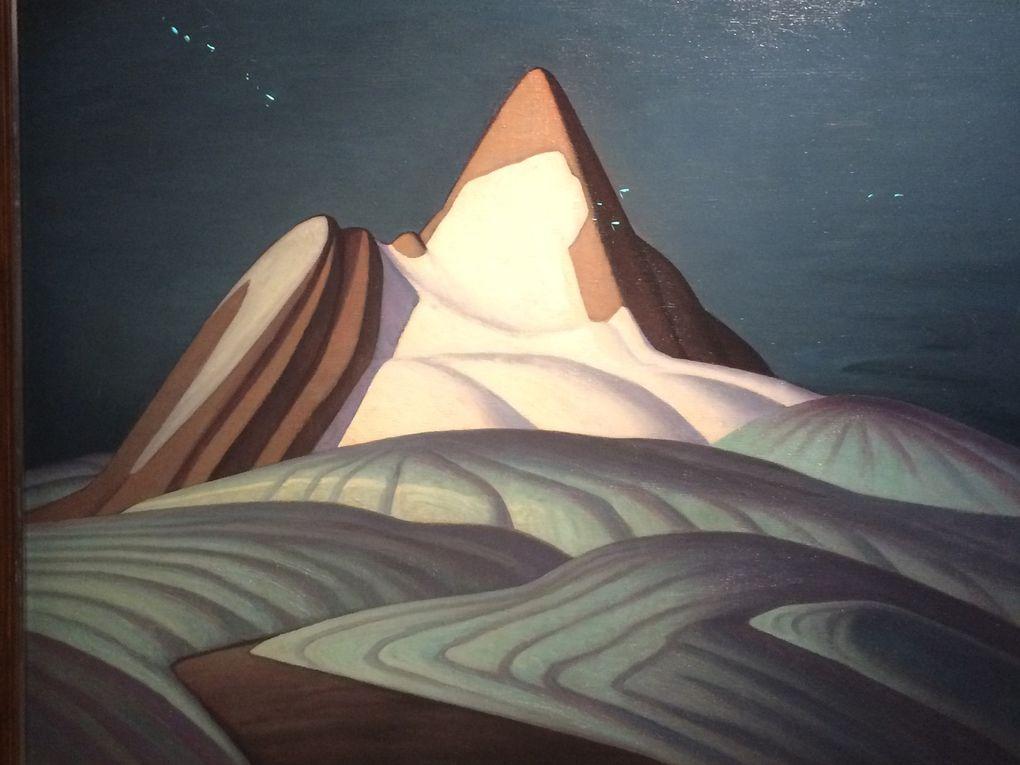 """Salle 4 : Lawren Stewart Harris """"Isolation Peak"""" /  Emily Carr """"Forêt"""" """"Eglise amérindienne"""" et """"Arbres dans le ciel"""