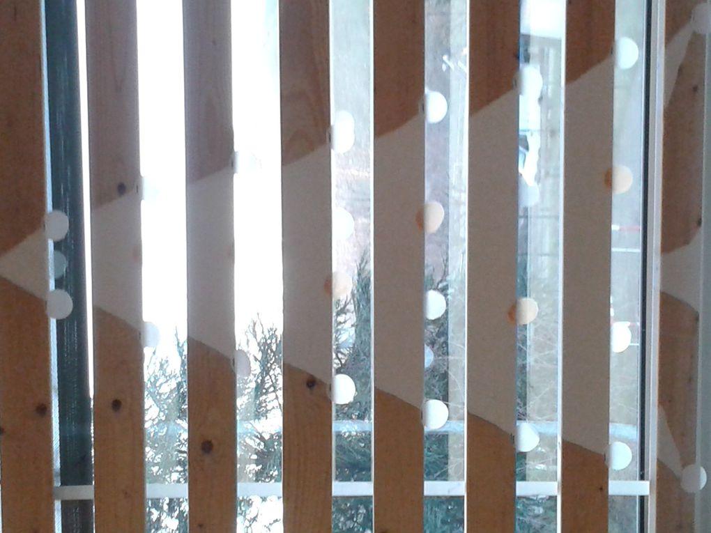 Vont être ajoutés cette semaine sur feuilles transparentes imprimées les coups de coeur de l'atelier lecture sur chaque latte de bois.