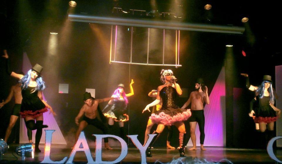 show LADY GAGA
