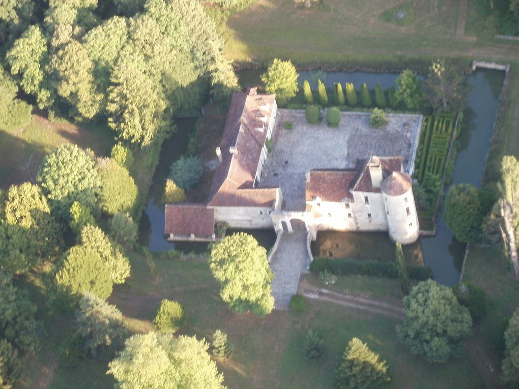 Le château de Vanlay : modeste mais sympa à voir depuis le ciel