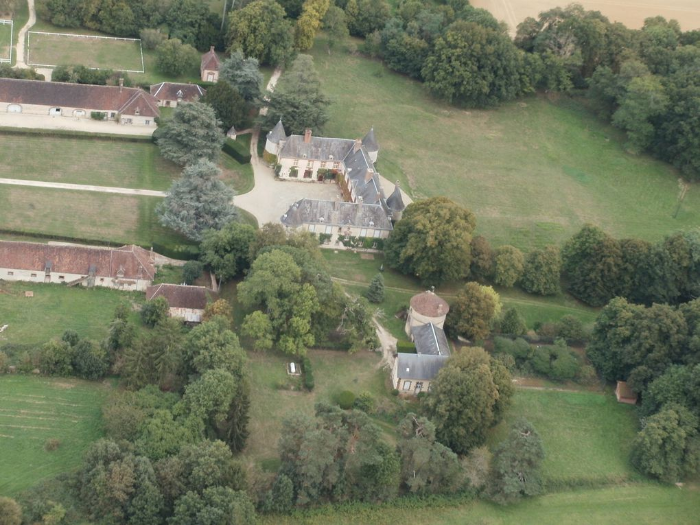 Le château de Montigny à Perreux