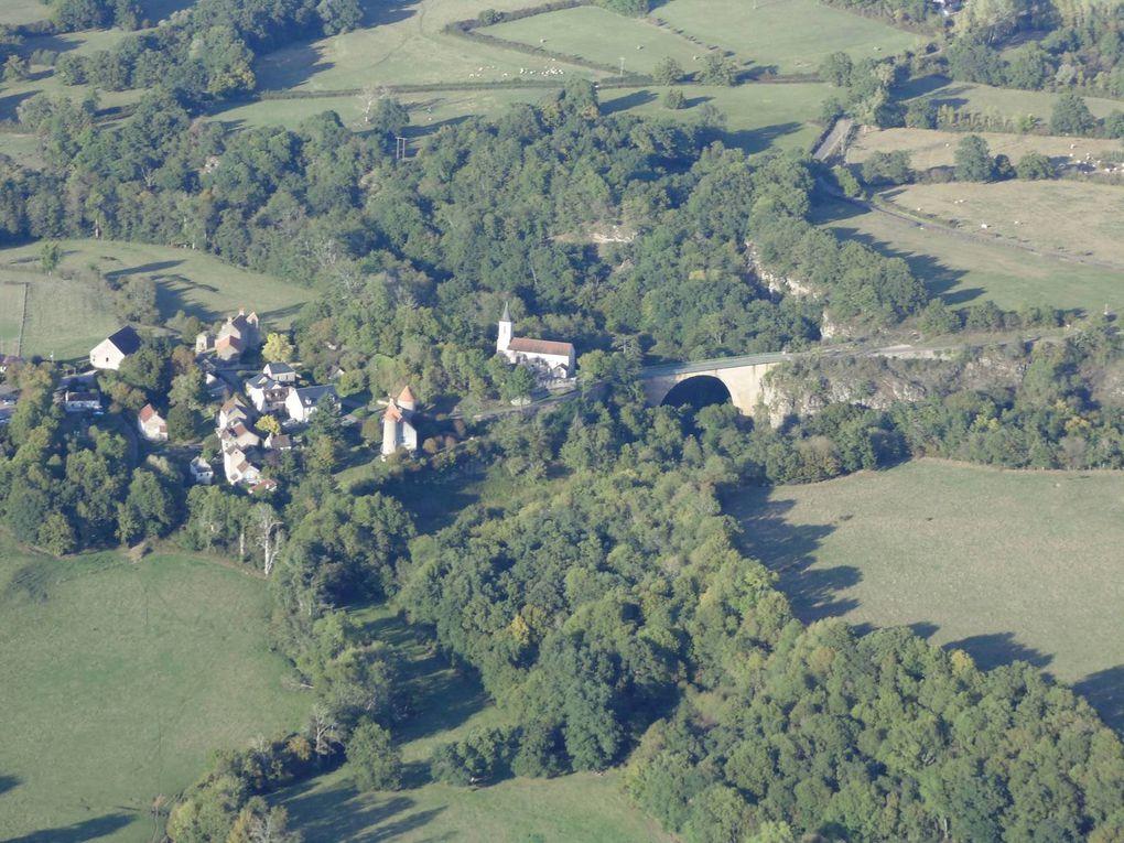 Pierre-Perthuis où fut tourner la scène du pont de La Grande Vadrouille mais qui reste masqué par la végétation.