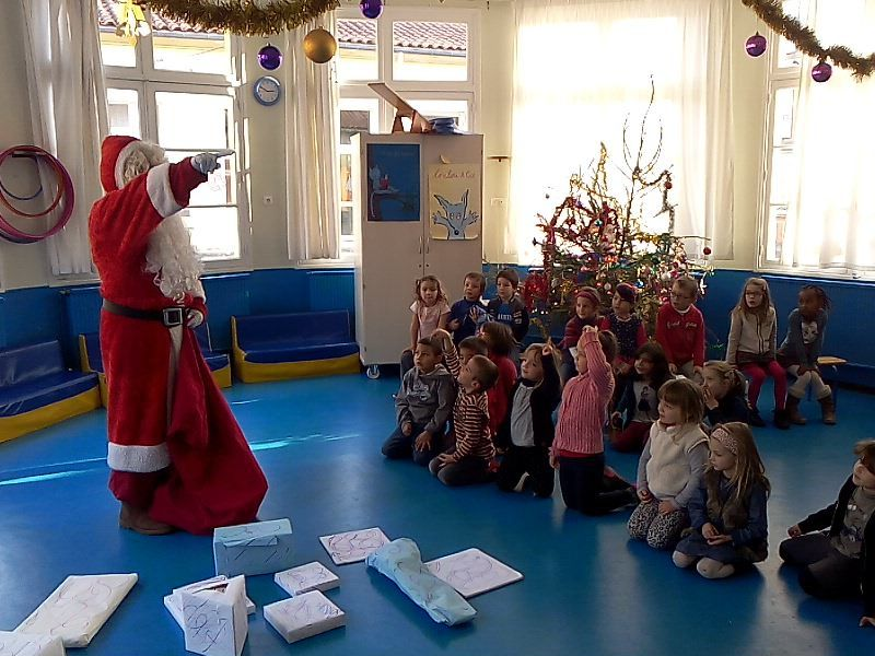 Santa is coming to school!