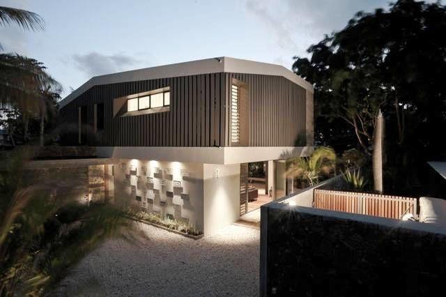 Deux maisons a Petit-Raffray, dans le Nord de l'île, par Rethink Studio