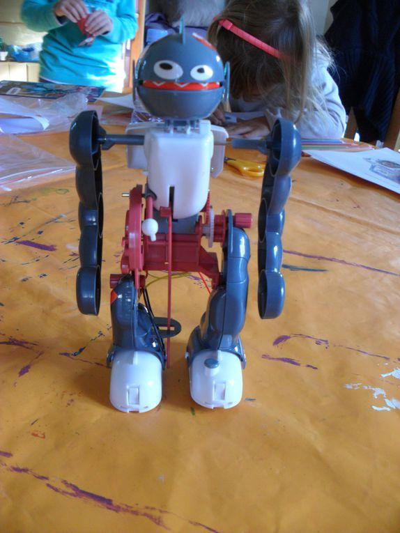 Un robot qui fait des pirouettes.