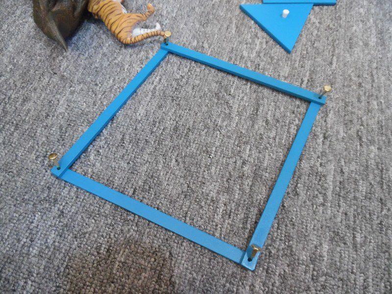 Je leur ai ensuite montré comment constuire des carrés et des triangles.