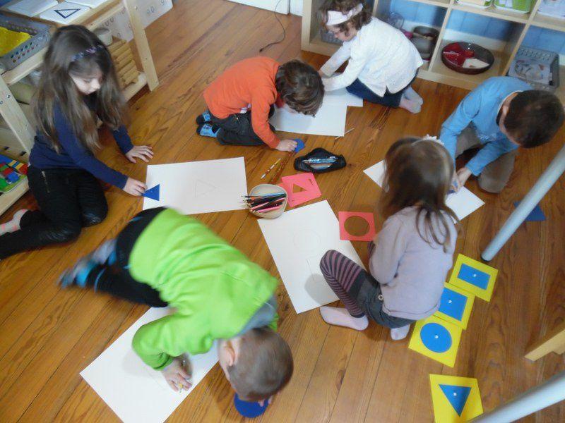 Dessiner avec les formes géométriques.