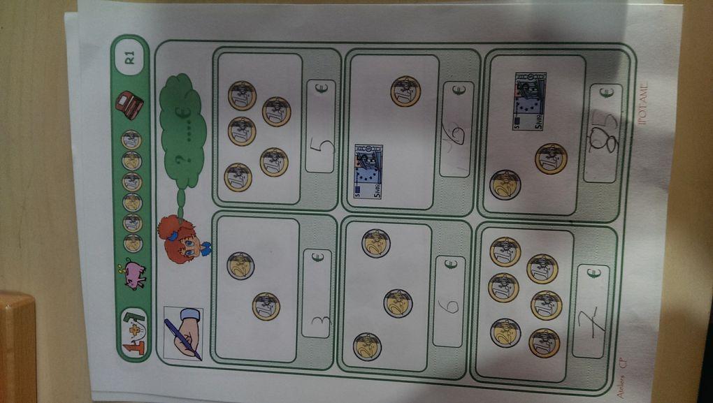 La monnaie avec des documents d'Ipotâme.