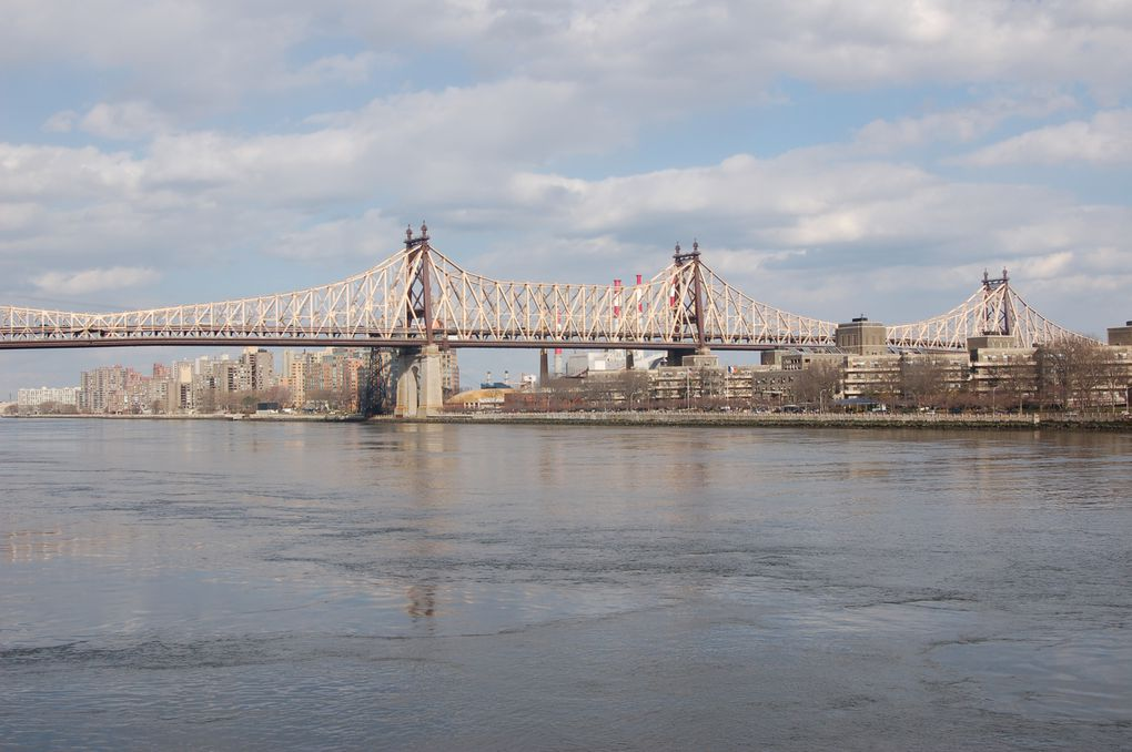 NEW YORK Mars 2012