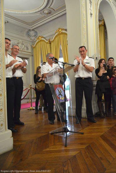 Applaudissement des Cadres de la Préparation Militaire de la Promotion Enseigne de Vaisseau Jacoubet