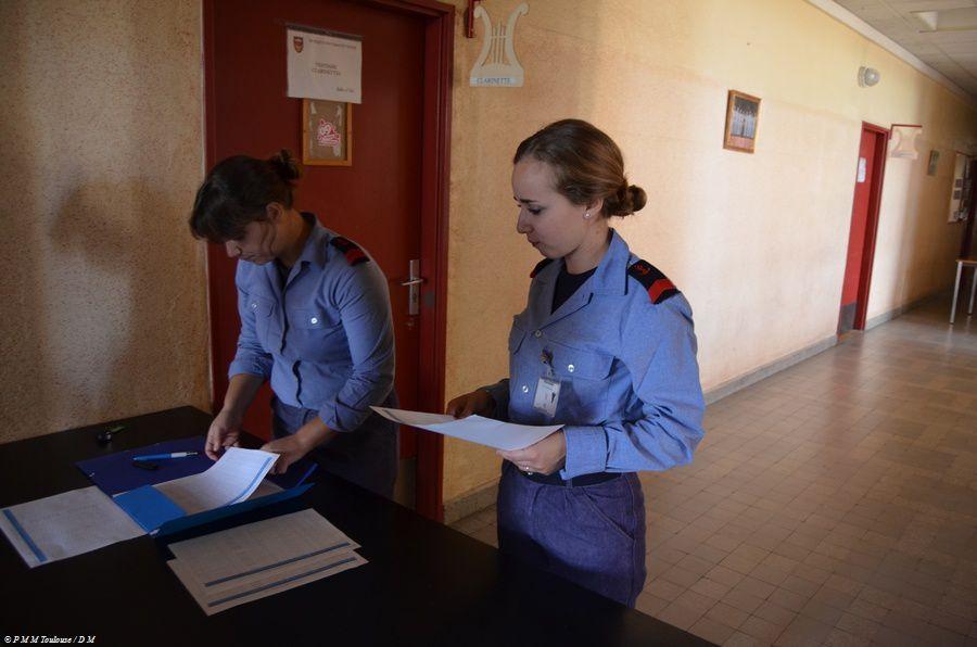 Préparation Militaire Marine Përception des tenues...