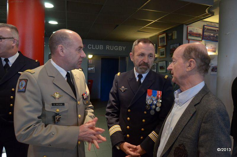 Discours, Félicitations et remerciements... Mr Bernard KELLER puis le Capitaine de Frégate De Lapasse Commandant Marine Bordeaux, avant de céder la place au Général Olivier SALÜN.