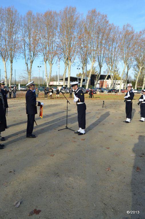 """Le Capitaine de Frégate De Lapasse Commandant Marine Bordeaux effectue la """"Remise du Fanion"""""""