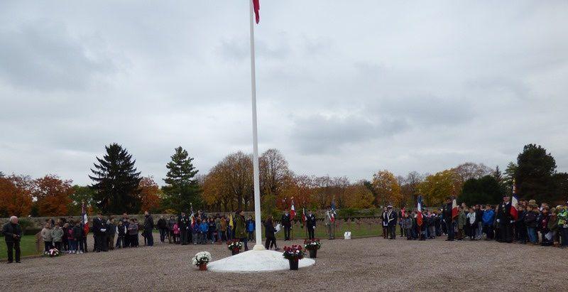 Arrivée des participants, mise en place et différentes lectures de cette cérémonie de l'UNC