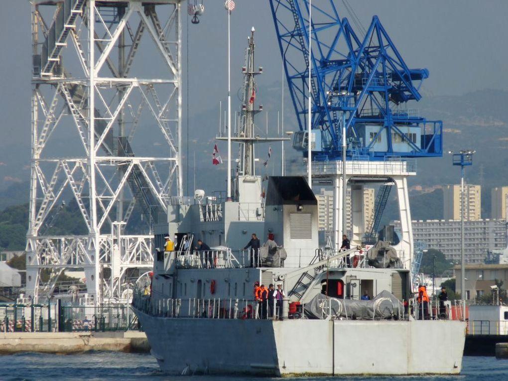 EL HAMIS 316 , Patrouilleur de la marine royale marocaine  à quai et appareillant de Toulon le 14 mai 2011