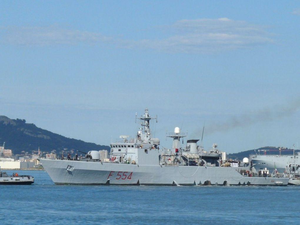 SFINGE  F554 , Frégate de la marine Italienne