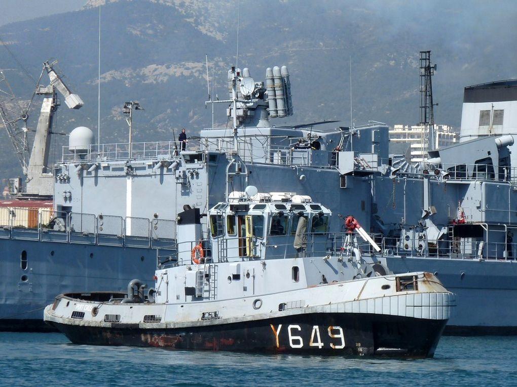 PORT  CROS  Y649 , Remorqueur Portuaire de 12T , RP12