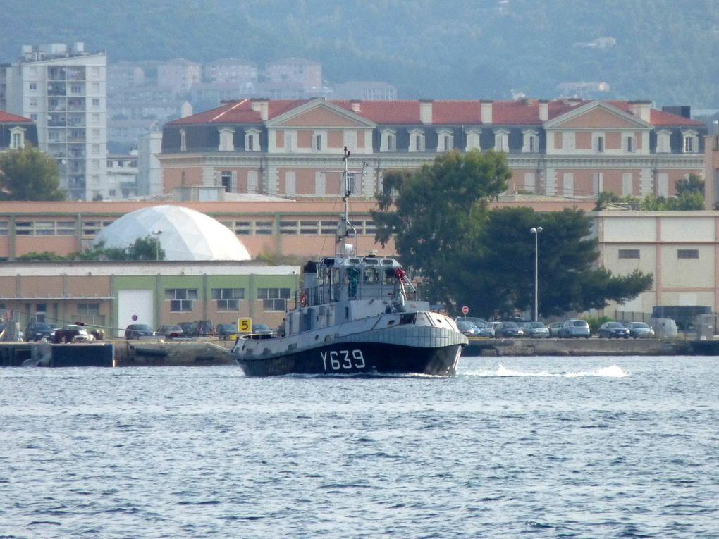 GIENS Y639 , Remorqueur Portuaire de 12T , RP12