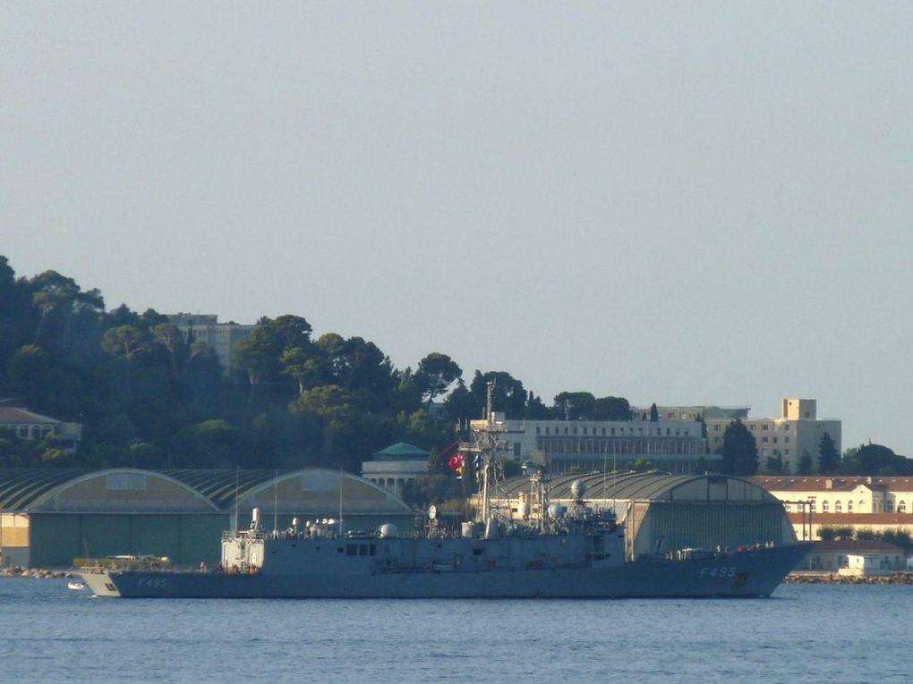 GEDIZ  F495 , Frégate de la marine Turque