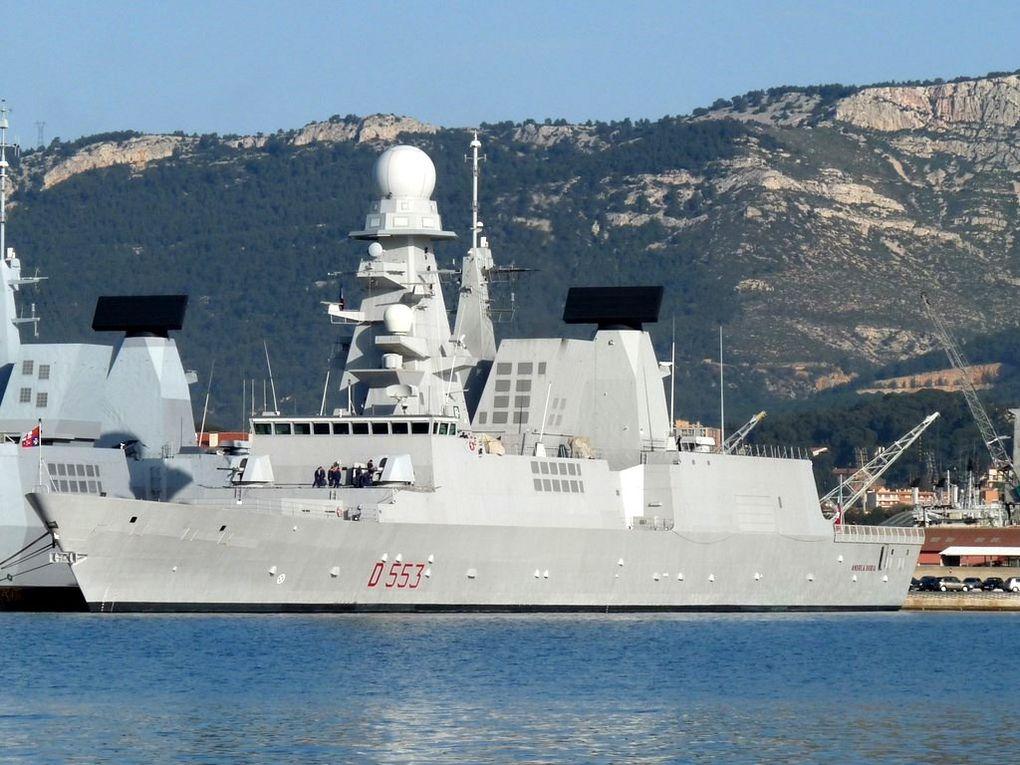 ANDREA DORIA  D553 , Frégate anti aérienne , classe horizon  , de la marine italienne