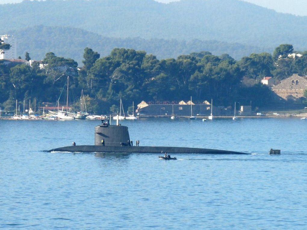 RUBIS  S601 , quittant le port de Toulon