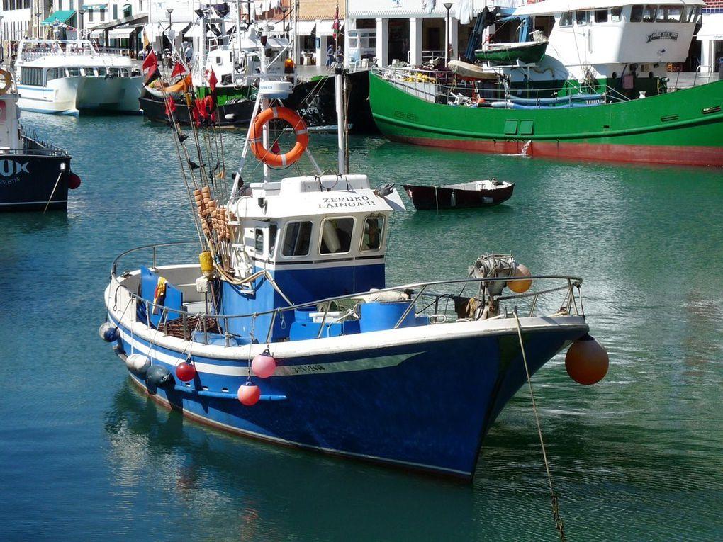 ZERUKO  LAINOA  II, dans le port de San Sébastien , Espagne