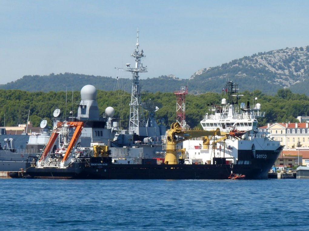 SD NORTHERN RIVER , remorqueur équipé pour la recherche et le sauvetage des sous marins (force de l'OTAN)