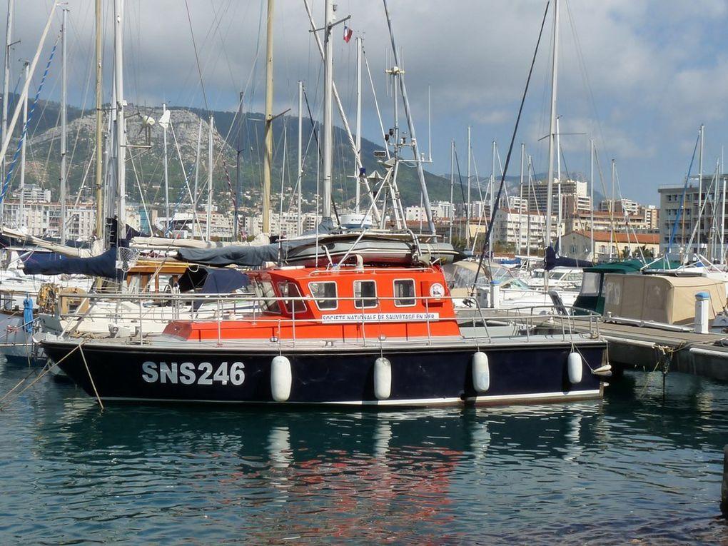 COMMANDANT LE PRIEUR , Port de Fréjus