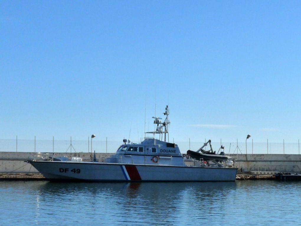 ORSURO  DF49 , vedette des douanes basée à Port Pothuau , rade de hyères