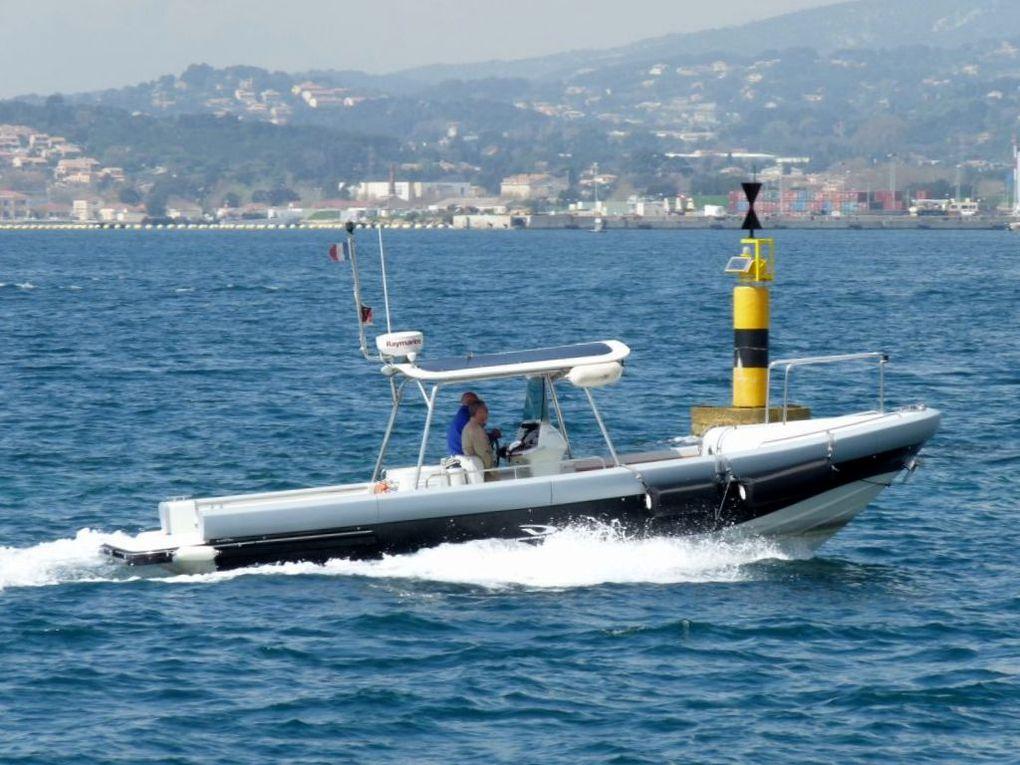 EXPRESSION , pilotine du port de Toulon