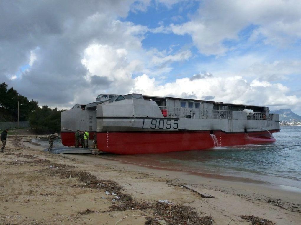 EDA.R  L9095, en exercice de plagéage sur la plage de la vieille à Saint Mandrier