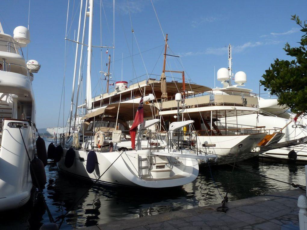 DAENA , dans le port de Toulon