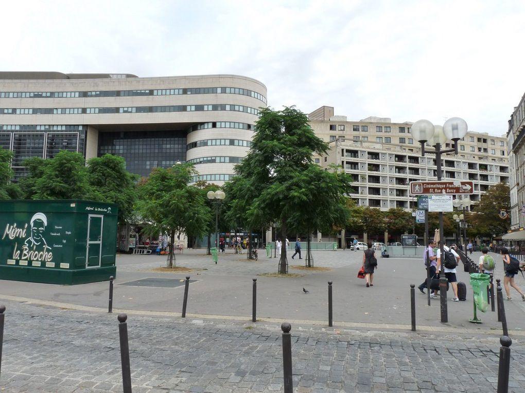 PARIS  12 A