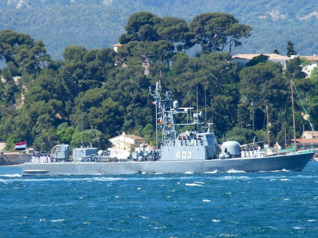 6 OCTOBRE , 602  ,patrouilleur de la marine égyptienne