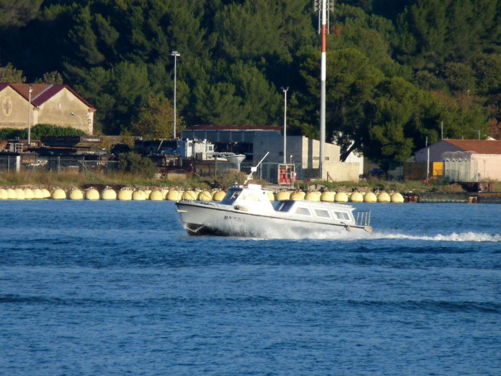 BNT 85 , vedette de servitude de la base navale