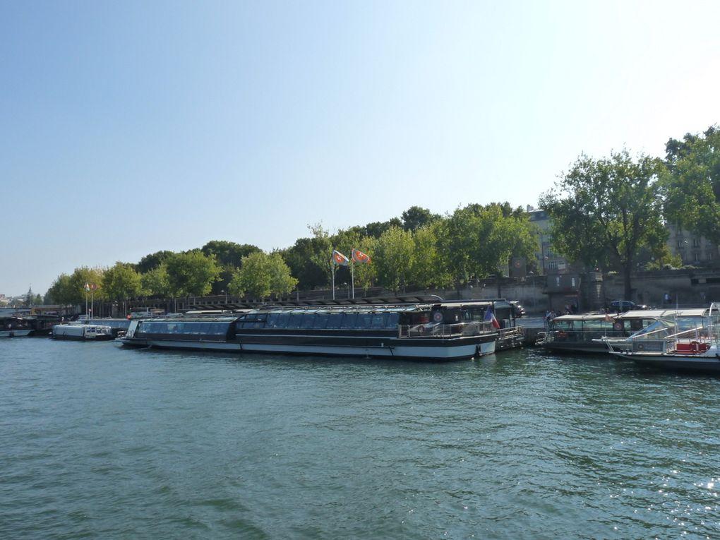 CRISTAL  II , sur la Seine à Paris