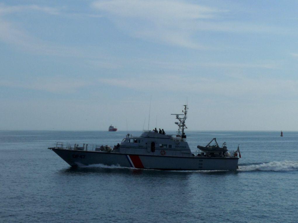 LISSERO  DF 47 ,vedette des douanes en rade de Fos sur Mer