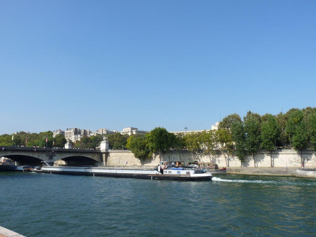 BURDIGALA & VILLE DU HAVRE ,  sur la Seine au passage de Paris