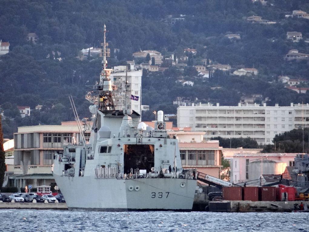 FREDERICTON 337 , frégate de la marine canadienne
