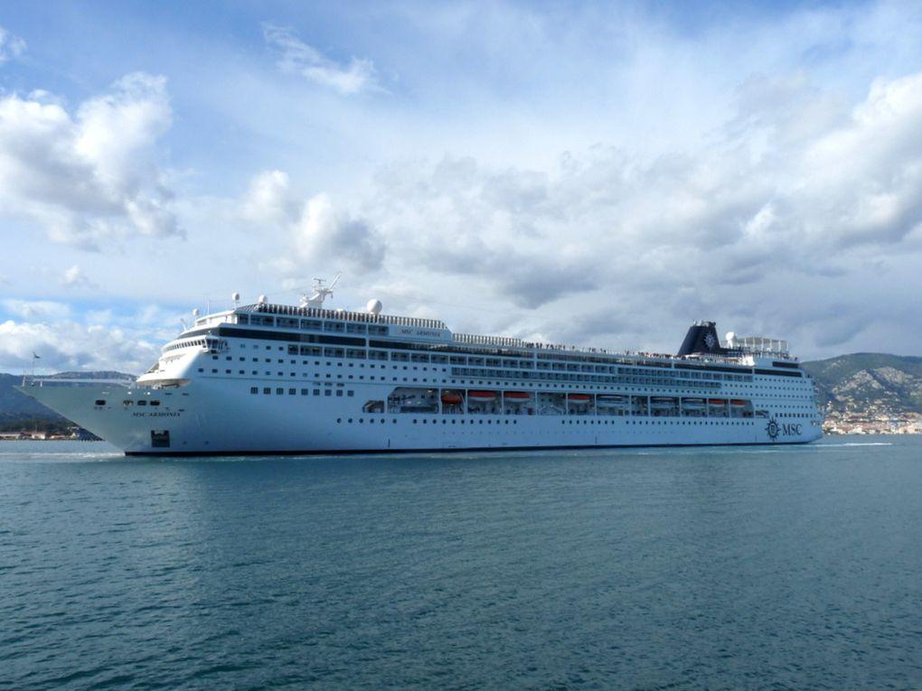 MSC  ARMONIA , appareillant de La Seyne sur Mer le 01 mai 2016