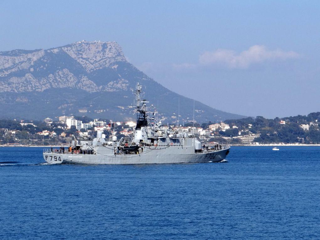 EV  JACOUBET  F794 , Patrouilleur de haute mer ( PHM ) , appareillant de Toulon le 18 mars 2016