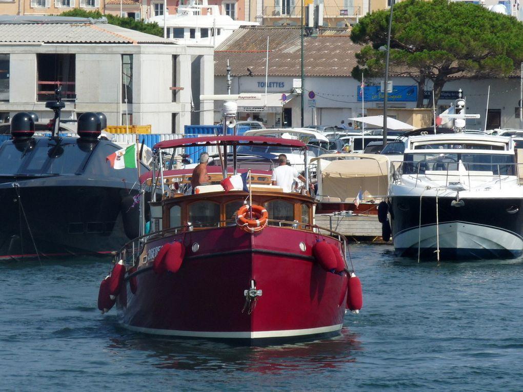ANDALÙ , sortant du port de Saint Tropez le 18 août 2016
