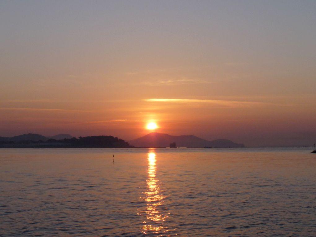 Lever du soleil sur la petite rade le 10 mars 2015