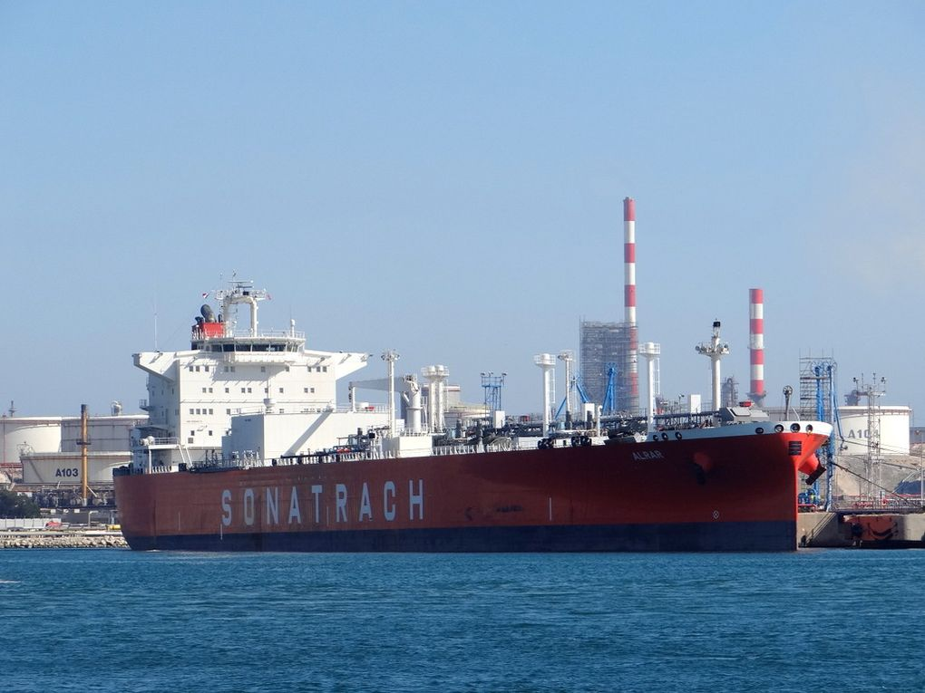 ALRAR ,  a quai dans le port de Lavera le 21 mai 2016