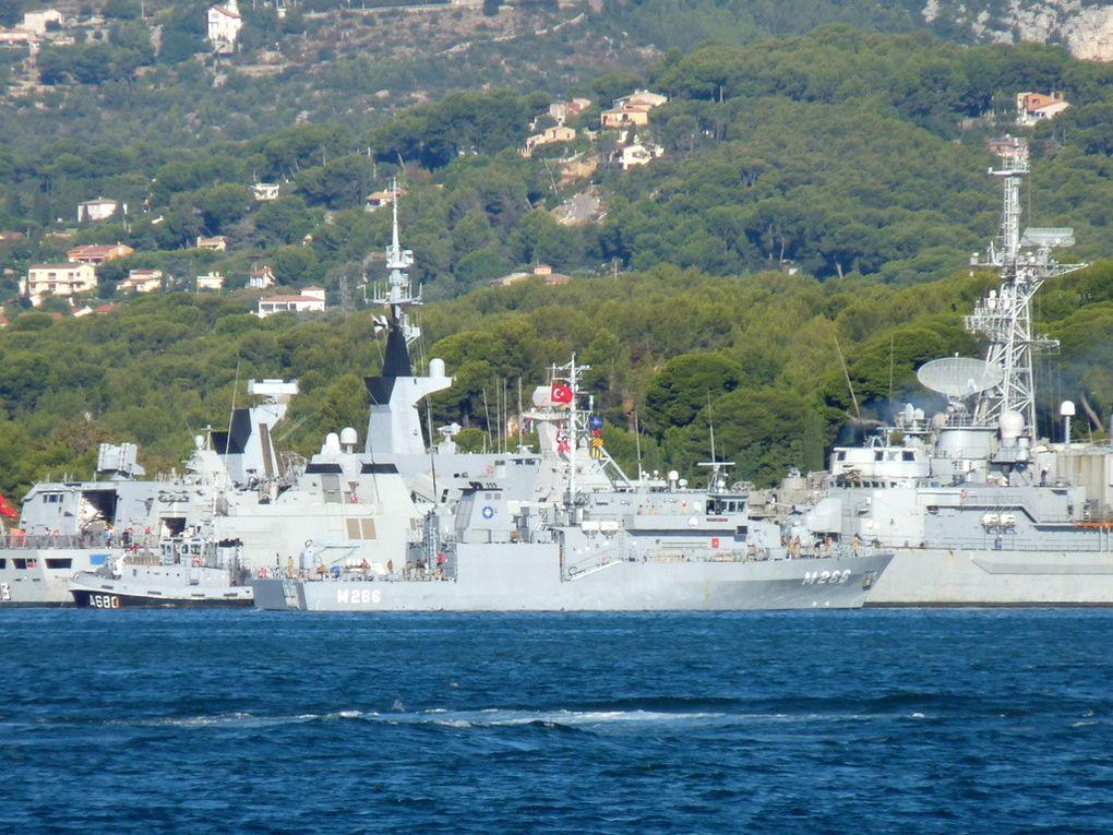 AMSARA  M266 , dragueur de mines de la marine turque , appareillant de toulon le 03 octobre 2016