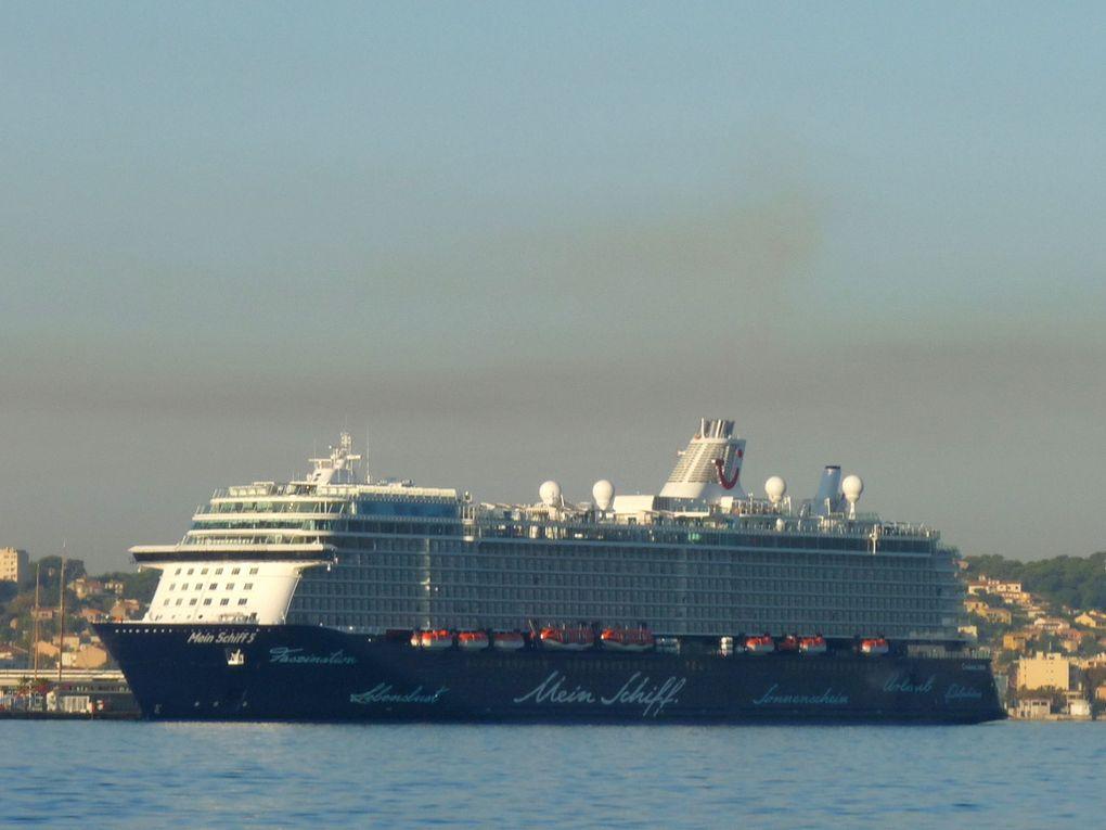 MEIN SCHIFF 5 à quai à la Seyne sur Mer  le 29 septembre 2016